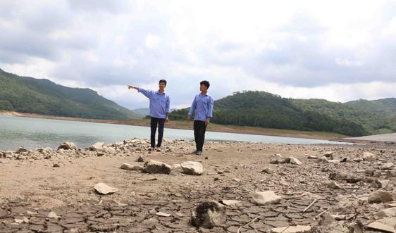 Quảng Ninh: Nhiều hồ thủy lợi phơi đáy giữa mùa mưa