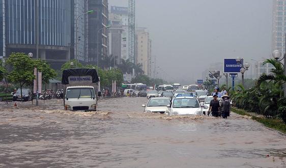 """Tăng sức """"đề kháng"""" trước ngập lụt đô thị: Lộ rõ những bất cập"""