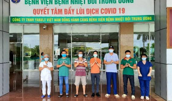 Việt Nam điều trị khỏi thêm 5 bệnh nhân COVID-19