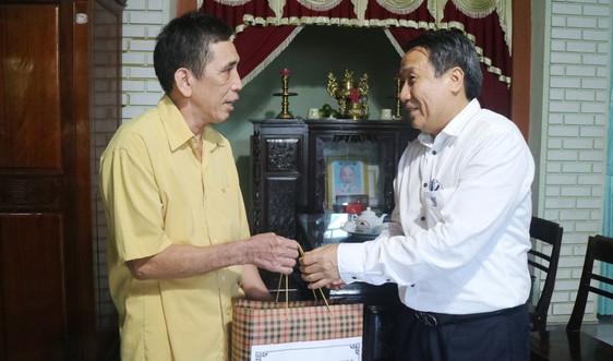 Thăm hỏi, tặng quà các gia đình chính sách, người có công trên địa bàn tỉnh Quảng Trị