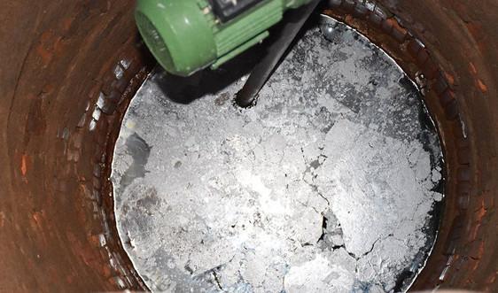 Gia Lai: Giếng nước của hàng chục hộ dân bị nhiễm dầu