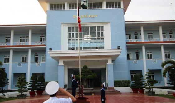Xúc động dưới những lá cờ quốc tang thương tiếc nguyên Tổng Bí thư Lê Khả Phiêu