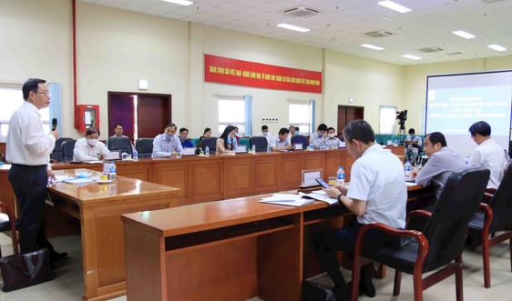 Phó Chủ tịch Quốc hội Phùng Quốc Hiển làm việc tại Nhà máy Nhiệt điện Mông Dương 1