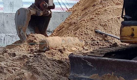 Quảng Nam: Đào móng xây nhà phát hiện quả bom khủng