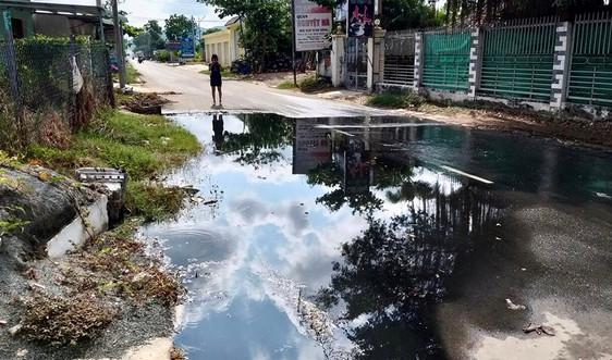 """Long Điền (Bà Rịa - Vũng Tàu): Dân """"kêu trời"""" vì tuyến mương thoát nước ô nhiễm"""