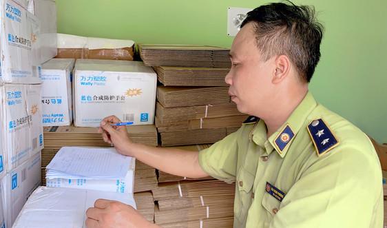 Hà Đông, Hà Nội: Tịch thu 72.540 chiếc găng tay không rõ nguồn gốc
