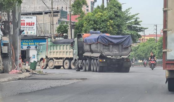 Ninh Bình: Xe chở than, clinker có biểu hiện quá khổ, quá tải tàn phá hạ tầng giao thông