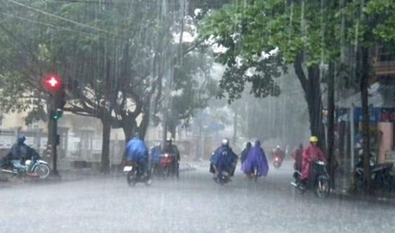 Dự báo thời tiết ngày 18/9: Bắc Bộ chuyển mát, miền Trung mưa rất to và có gió giật mạnh