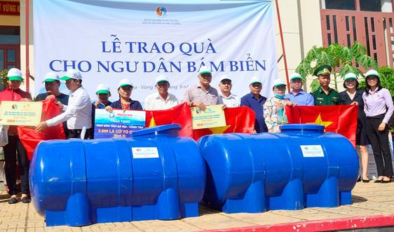 Báo TN&MT phối hợp  tổ chức trao quà cho ngư dân tại TP. Vũng Tàu