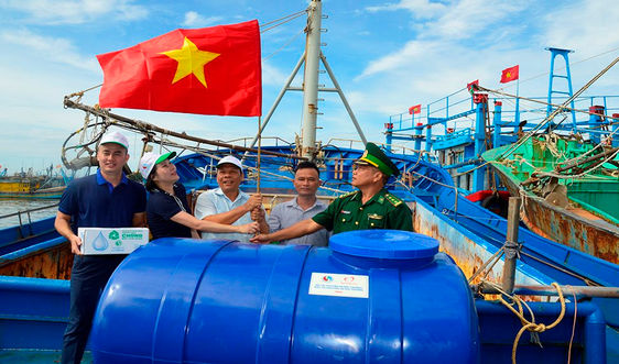 Báo TN&MT tiếp tục đồng hành với ngư dân huyện Xuyên Mộc vươn khơi, bám biển