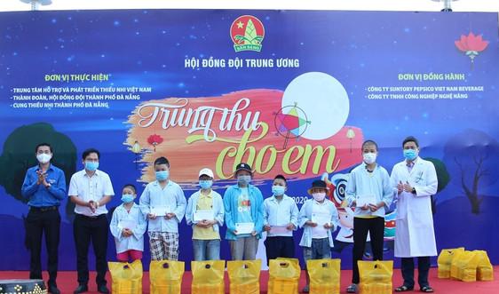 Trung thu cho em dành tặng các bệnh nhi ung thư tại Bệnh viện Ung bướu Đà Nẵng
