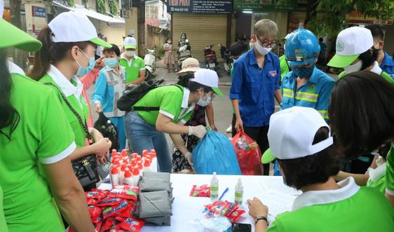 """Hơn 3000 lượt người dân Thủ đô """"đổi rác lấy quà"""", thu đổi gần 15,7 tấn rác tái chế"""