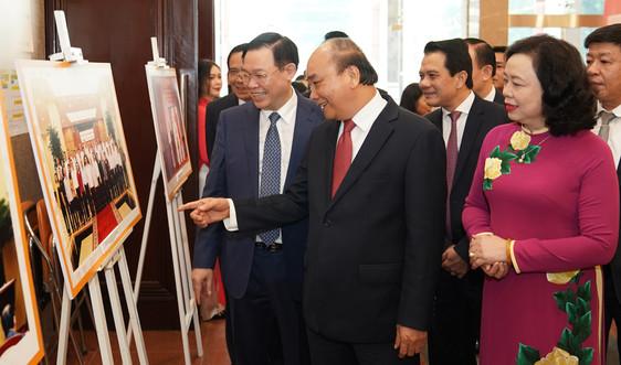 Thủ tướng đề nghị Hà Nội thi đua tăng trưởng cao hơn cả nước