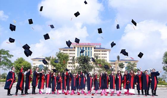Trường Đại học Kinh doanh và Công nghệ Hà Nội tiếp tục xét tuyển một số ngành