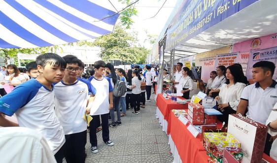 Thừa Thiên Huế: Rộn ràng ngày hội tuyển sinh, tuyển dụng và sàn giao dịch việc làm nhân lực CNTT