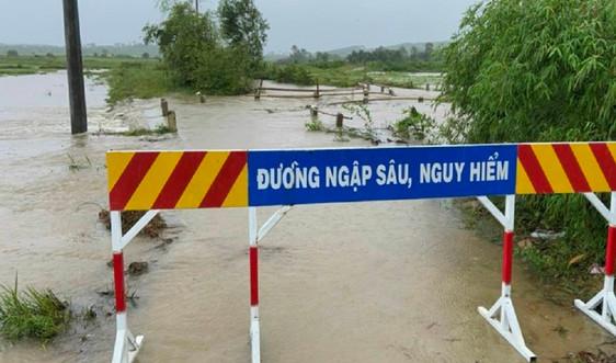 Mưa lớn, nhiều nơi tại Thừa Thiên Huế chìm trong biển nước
