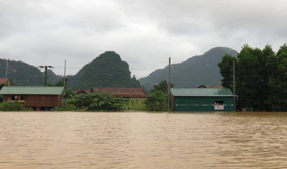 Quảng Bình: Mưa lũ làm gần 3.200 ngôi nhà bị ngập trong nước