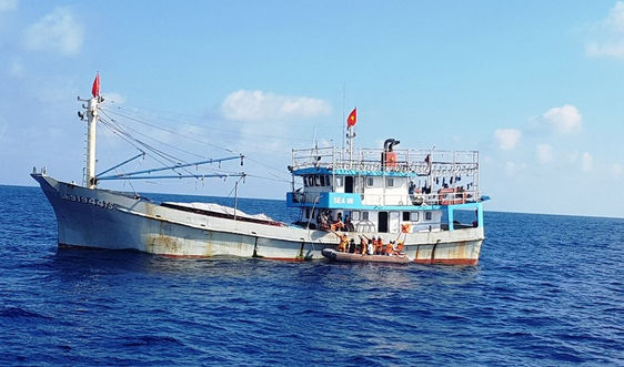 Đà Nẵng: 3 tàu cá bị chìm, 1 tàu mất tích