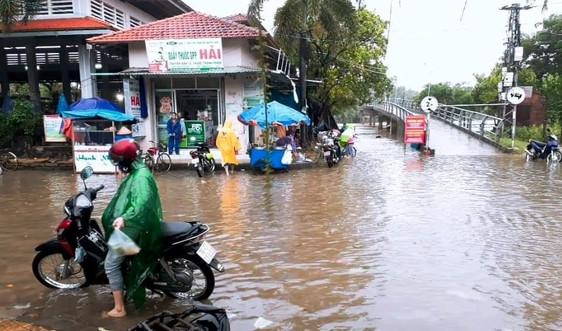 Quảng Ngãi: Nước lũ lên nhanh, cảnh báo sạt lở và ngập lụt nhiều nơi