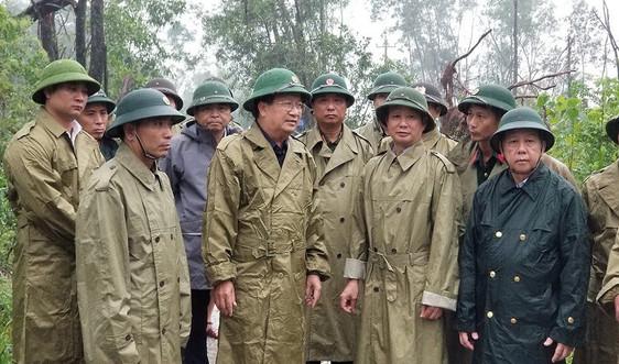Phó Thủ tướng Trịnh Đình Dũng đang trực tiếp chỉ đạo vụ sạt lở ở thủy điện Rào Trăng 3