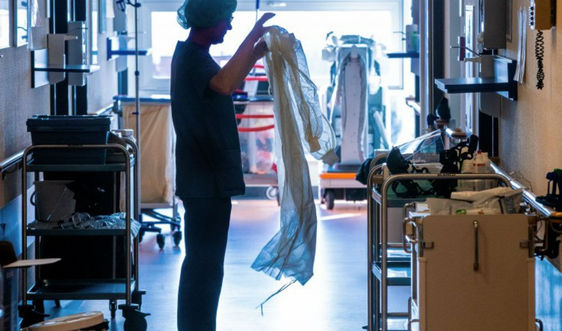 Cập nhật dịch COVID-19 sáng 14/10: Số nhân viên y tế nhiễm virus SARS-CoV-2 có xu hướng giảm