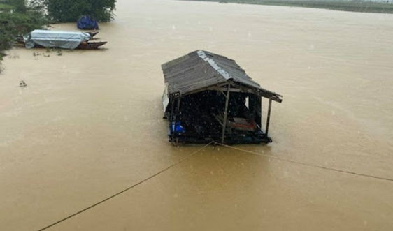 Dự báo thời tiết ngày 17/10: Trung Trung Bộ tiếp tục có mưa to