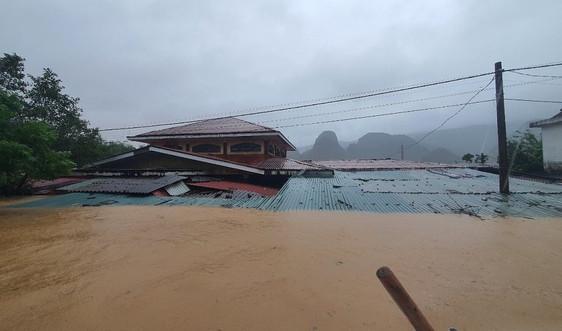 Những hình ảnh về trận lũ lịch sử khiến hơn 71.000 ngôi nhà tại Quảng Bình ngập trong nước