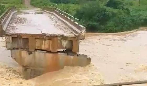 Tây Nguyên: Mưa lớn, sạt lở đất gây thiệt hại lớn