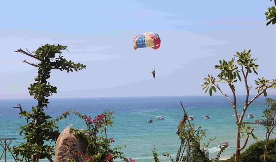 Bình Định hướng đến phát triển du lịch và dịch vụ biển, đảo