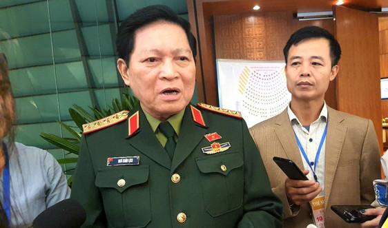 Bộ trưởng Quốc phòng: Bộ đội chuẩn bị sẵn lực lượng, trực thăng vào công tác cứu hộ