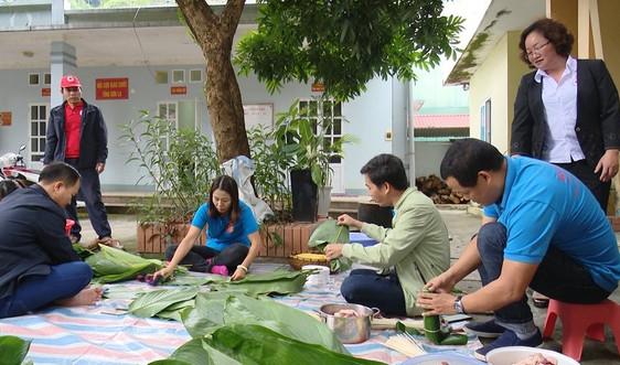 Sơn La: Hơn 2.000 bánh chưng ủng hộ đồng bào vùng lũ