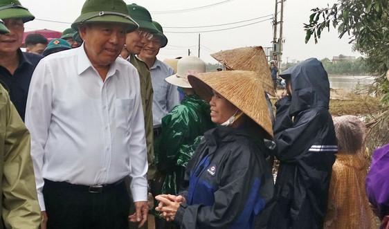 Phó Thủ tướng Thường trực Chính phủ Trương Hòa Bình làm việc với tỉnh Quảng Trị về công tác khắc phục hậu quả mưa lũ