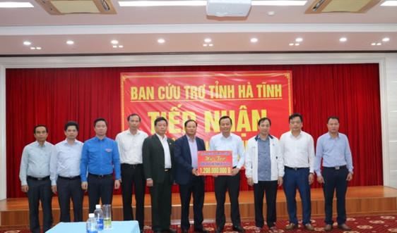 Thứ trưởng Bộ TN&MT Lê Minh Ngân thăm hỏi, trao quà hỗ trợ người dân vùng lũ Hà Tĩnh