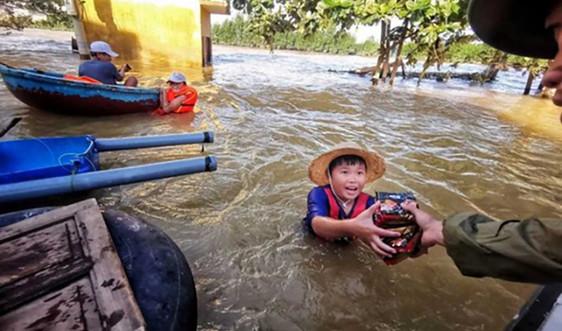 Gần 9.000 người phải rời bỏ nhà cửa khi bão Molave đổ bộ Philippines