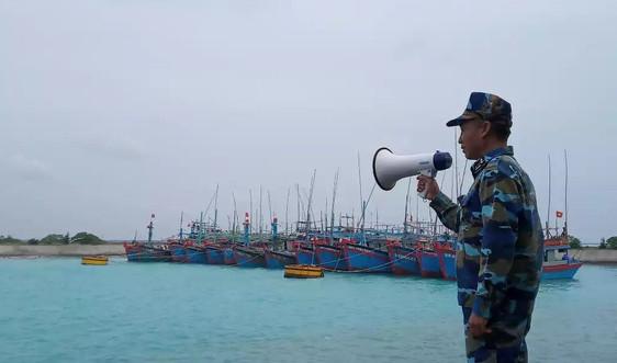 Gần hai nghìn ngư dân vào Trường Sa tránh bão số 9