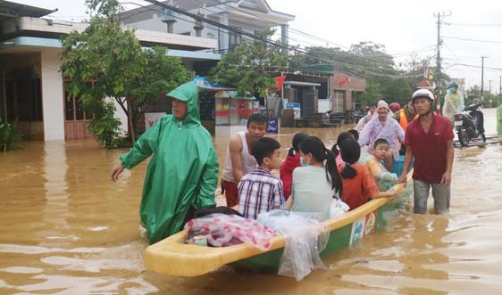Quảng Trị: Người dân hạn chế ra đường sau 21h tối nay, sẽ cưỡng chế di dân tránh bão nếu thấy cần thiết