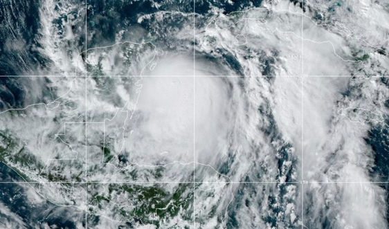 Bão Zeta vượt qua Yucatan của Mexico, tiến vào Bờ Vịnh Mỹ