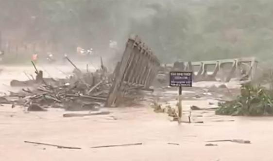 Gia Lai, Kon Tum: Nhiều xã, phường mất điện hoàn toàn, nhà cửa tốc mái, cây xanh ngã đổ