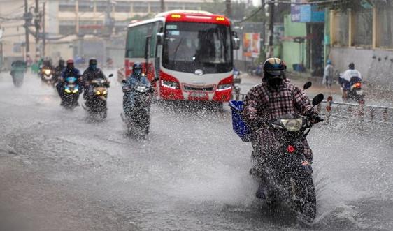 Không khí lạnh tăng cường kết hợp bão gây mưa lớn miền Trung