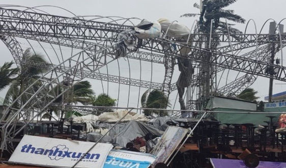 Hơn 88.500 ngôi nhà bị tốc sau bão số 9