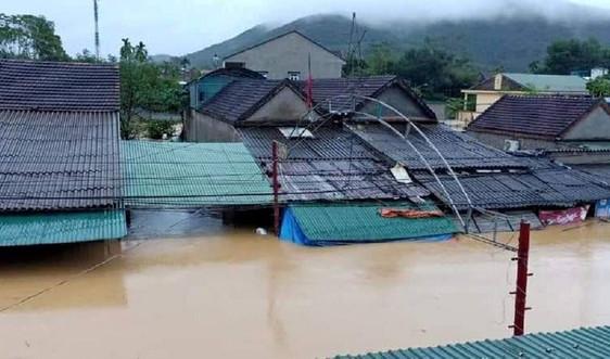 Nghệ An: Mưa như trút, hàng nghìn hộ dân bị ngập sâu