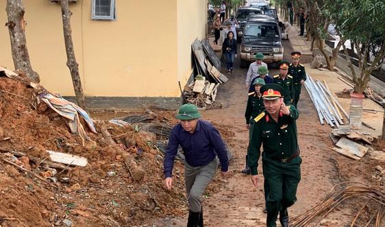 Bộ Xây dựng khảo sát điểm ngập úng, sạt lở tại Huế và Quảng Trị