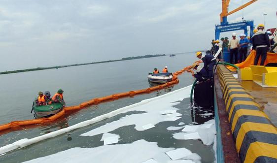 Ứng phó sự cố tràn dầu trên biển ở Quảng Nam: Còn nhiều vướng mắc