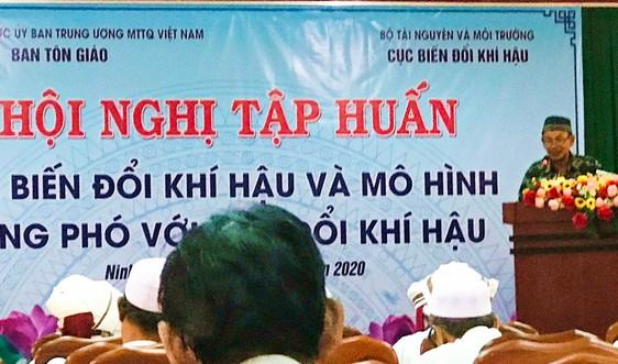 Ninh Thuận: Tập huấn về biến đổi khí hậu cho chức sắc, chức việc