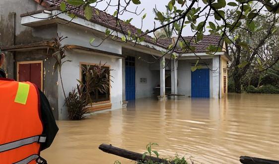 Quảng Ngãi: Nước sông Trà Câu vượt mức báo động 3, nhiều nhà dân bị ngập