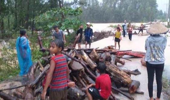 Bình Định: Bão số 12 làm 1 người chết, 1 người bị thương