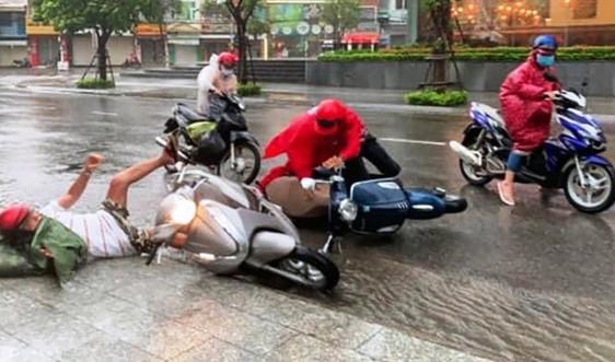 Nha Trang tan hoang sau bão