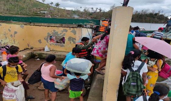 Philippines sơ tán hàng nghìn người vì bão Vamco
