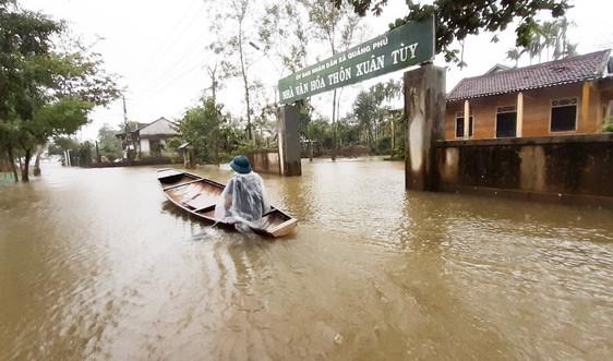 Ngôi làng hơn 30 ngày ngâm mình trong nước lũ tại Thừa Thiên Huế