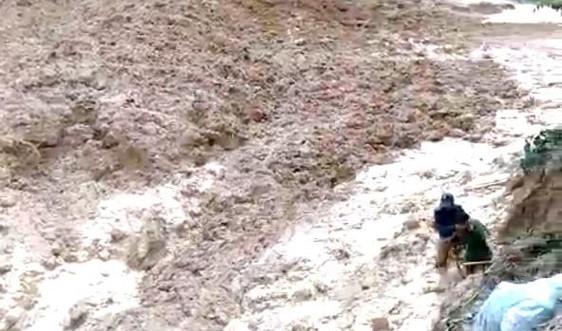 Quảng Nam: Hàng chục người thoát chết trong gang tấc do sạt lở núi tại Bắc Trà My